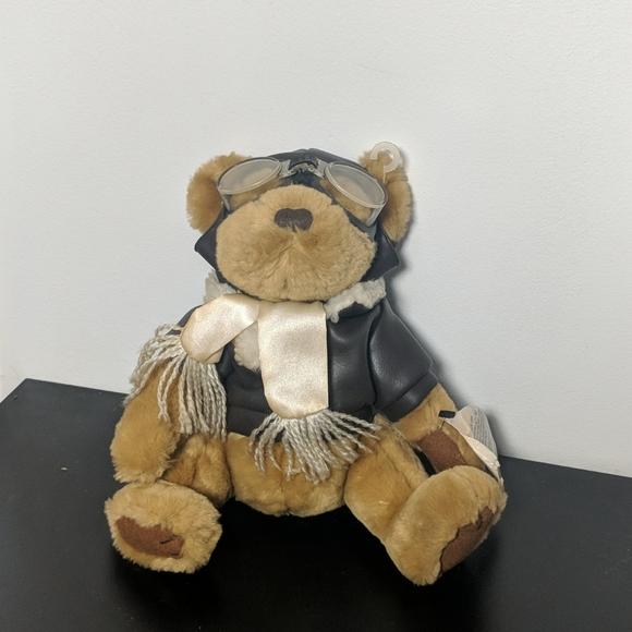 Vintage Brass Button Collectibles Bear: Radar